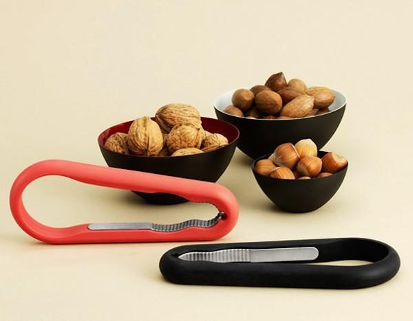 Normann-Copenhagen-Nutcracker-Design-Casse-Noisettes-Flexible-1