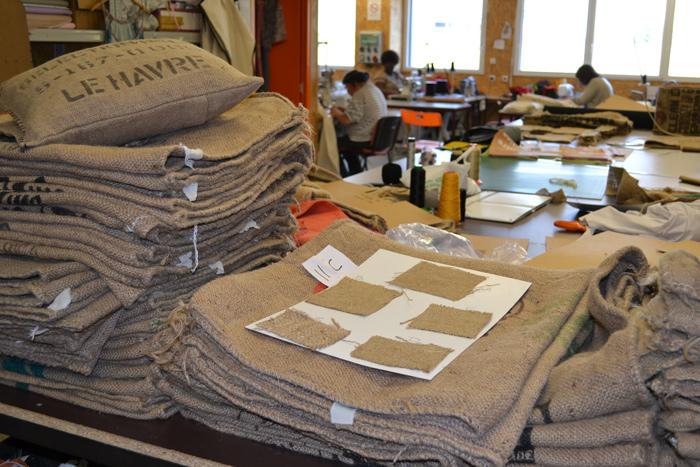 Salon de jardin co con u partir de sacs de caf for Atelier couture a nantes