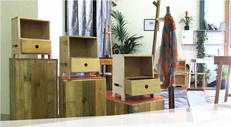 api 39 up des meubles co con us issus de l 39 upcycling my eco design. Black Bedroom Furniture Sets. Home Design Ideas